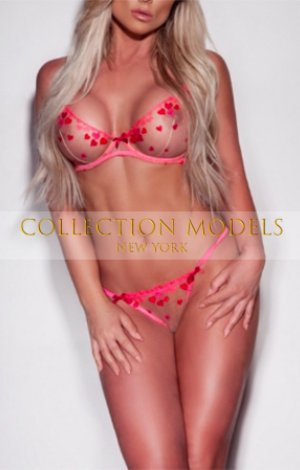 NY escort ladies 21 y.o. blond student Emma